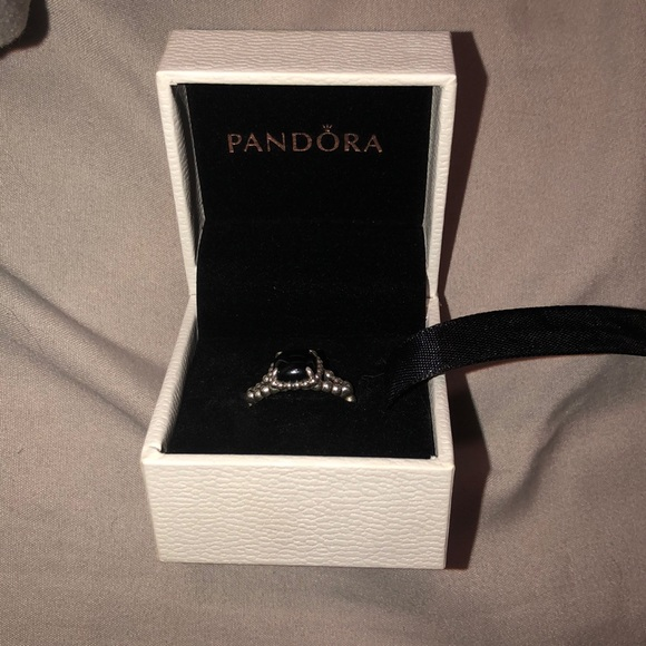 810879610 pandora vibrant spirit ring, black crystal. M_5cc8e63aadb58d7e047c7910